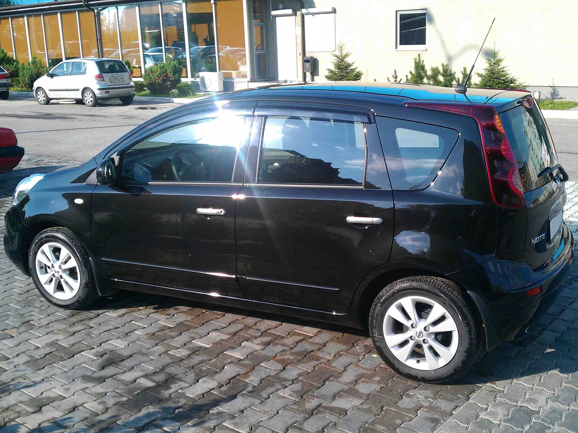 Nissan Note 1.6 AT Luxury (-S-B-)