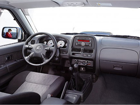 Nissan NP300 2.5 dCi MT