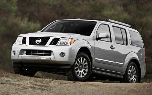 Nissan Pathfinder 4.0 LE