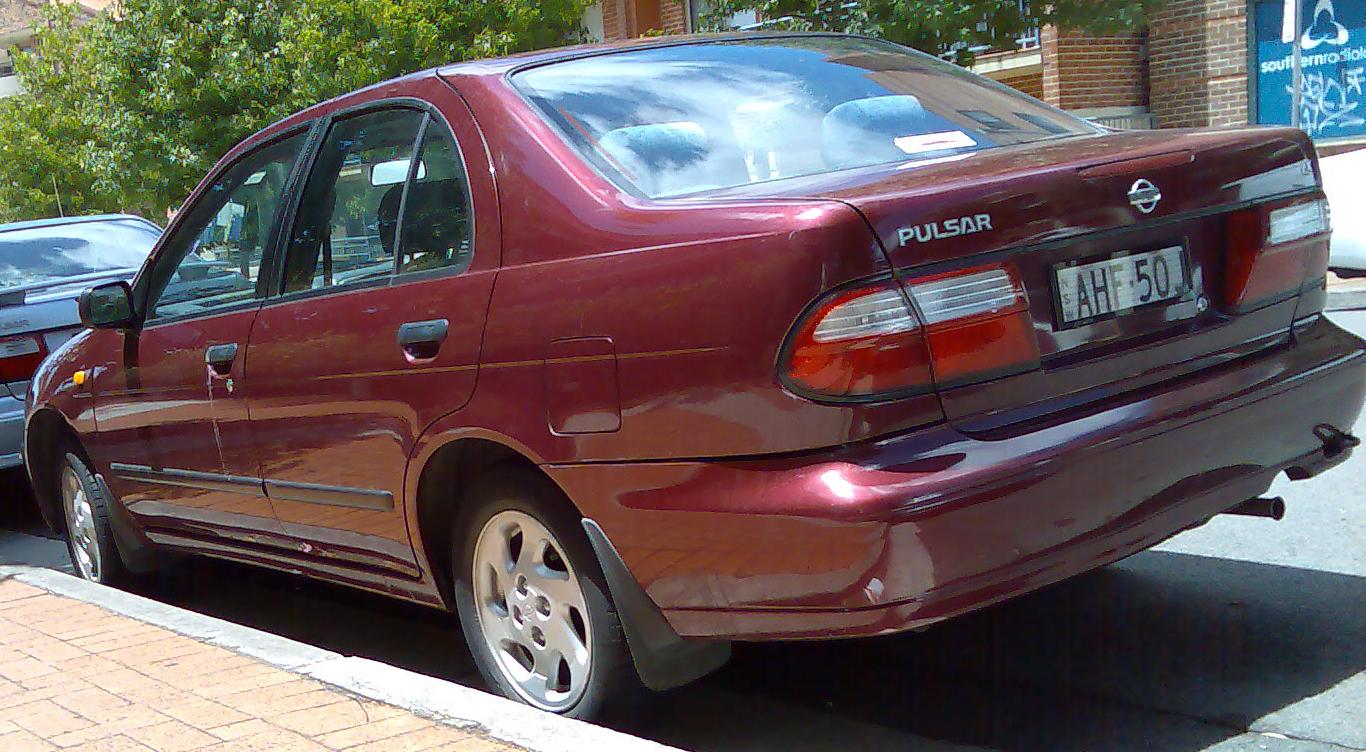 Nissan Pulsar Sedan