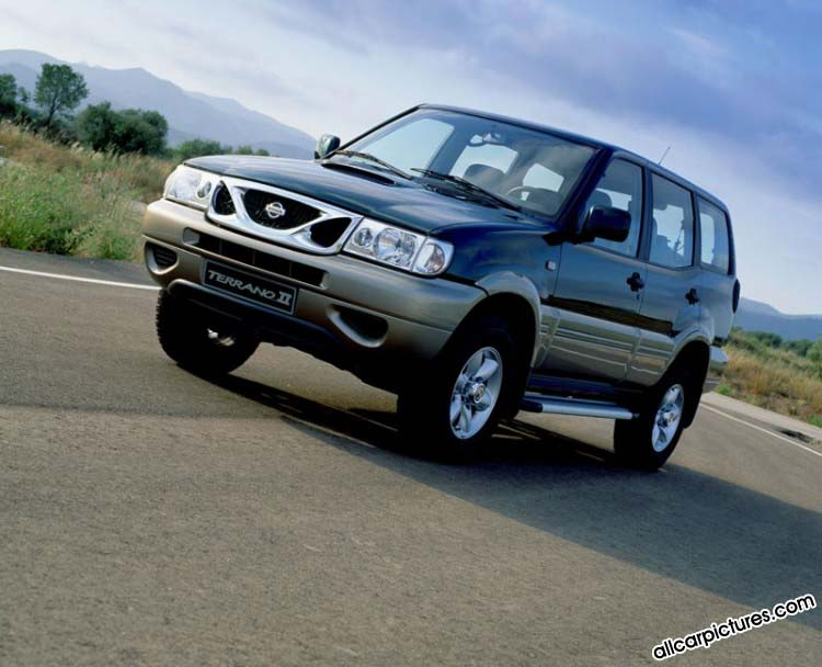 Nissan Terrano 2.4 i 12V 4WD (3 dr)