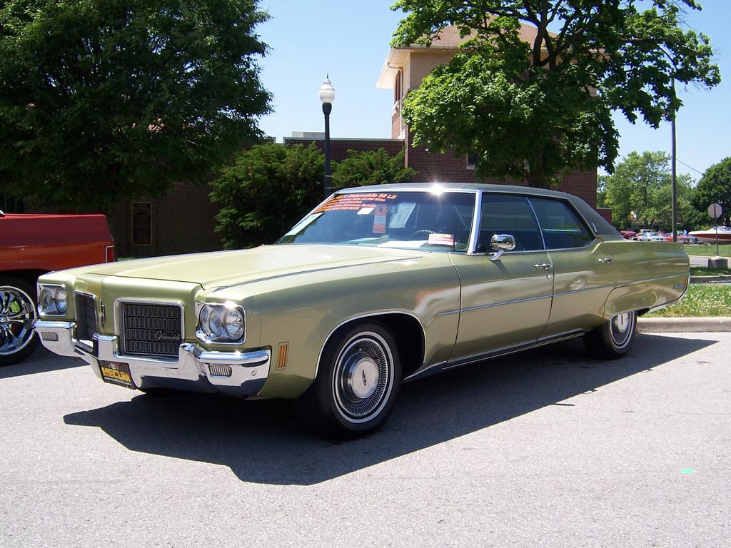 Oldsmobile Ninety-Eight 7.4