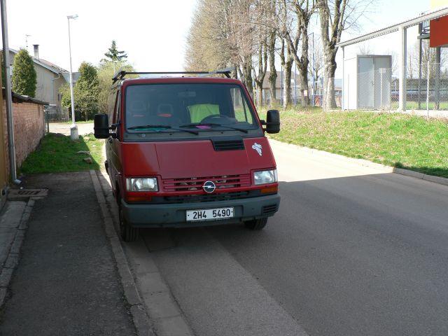 Opel Arena 2.5 D