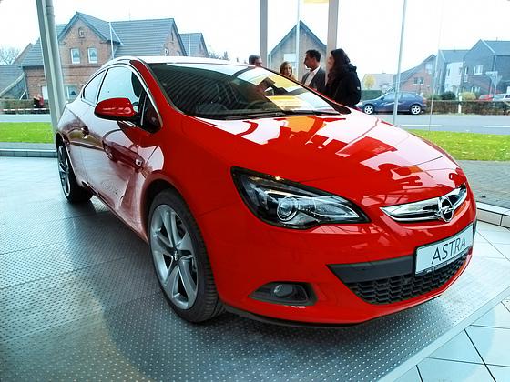 Opel Astra 1.6 Turbo MT