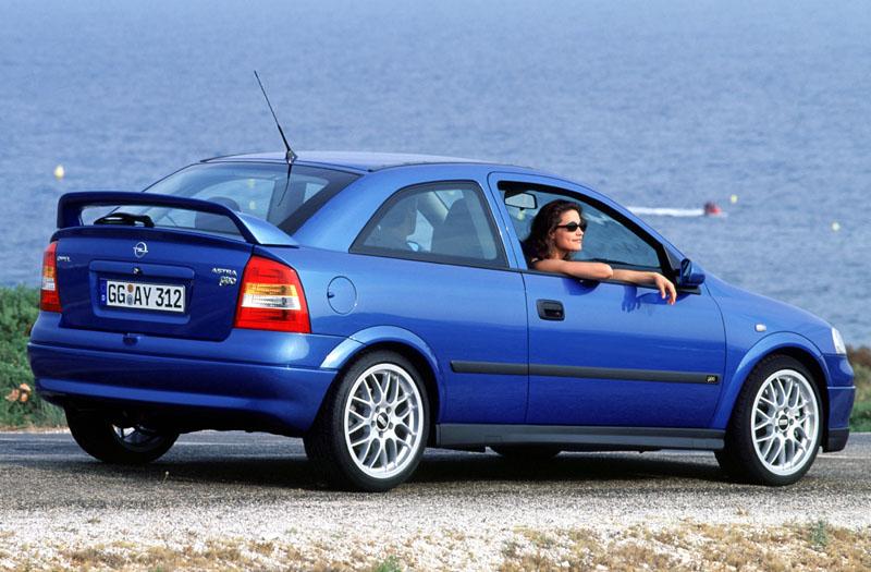 Opel Astra 2.0 16V OPC