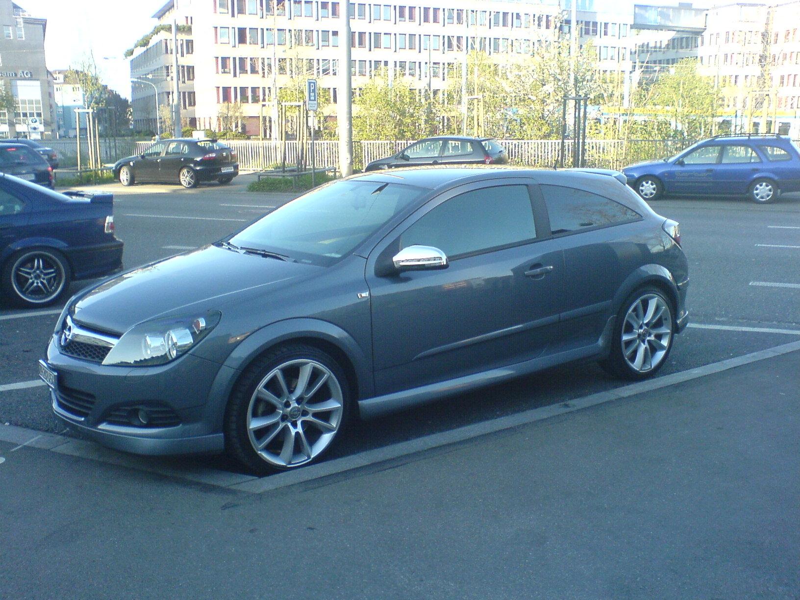 Opel Astra GTC 1.9 CDTi Sport