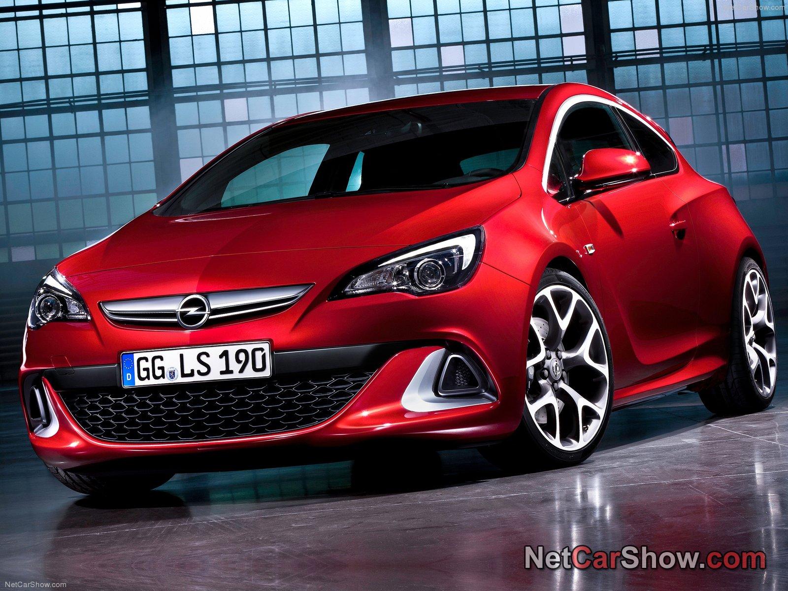 Opel Astra GTC 2.0 Turbo OPC