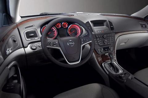Opel Insignia 1.8