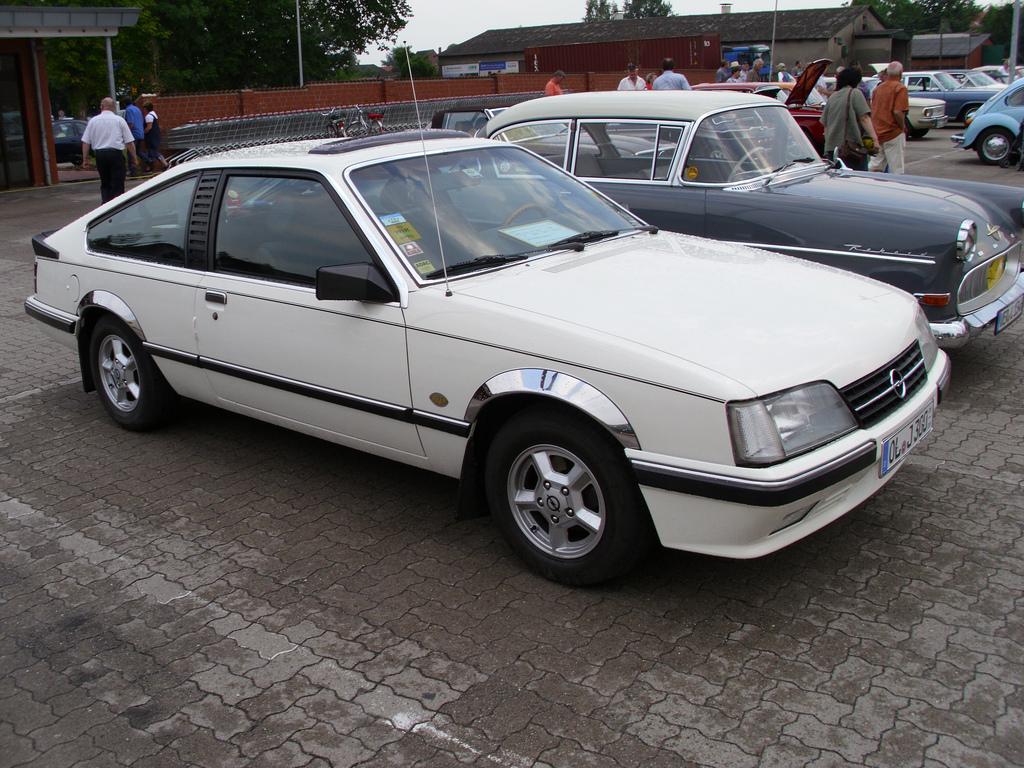 Opel Monza 2.5 E