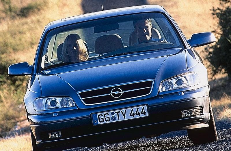 Opel Omega 2.2 DTI 16V