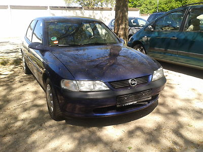 Opel Vectra 1.6 MT