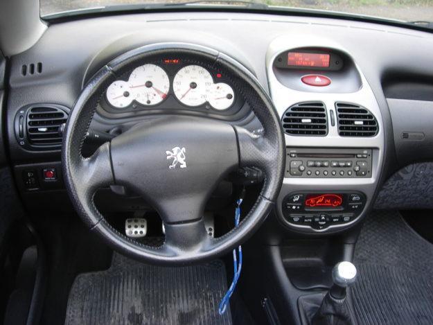 Peugeot 206 1.6 i