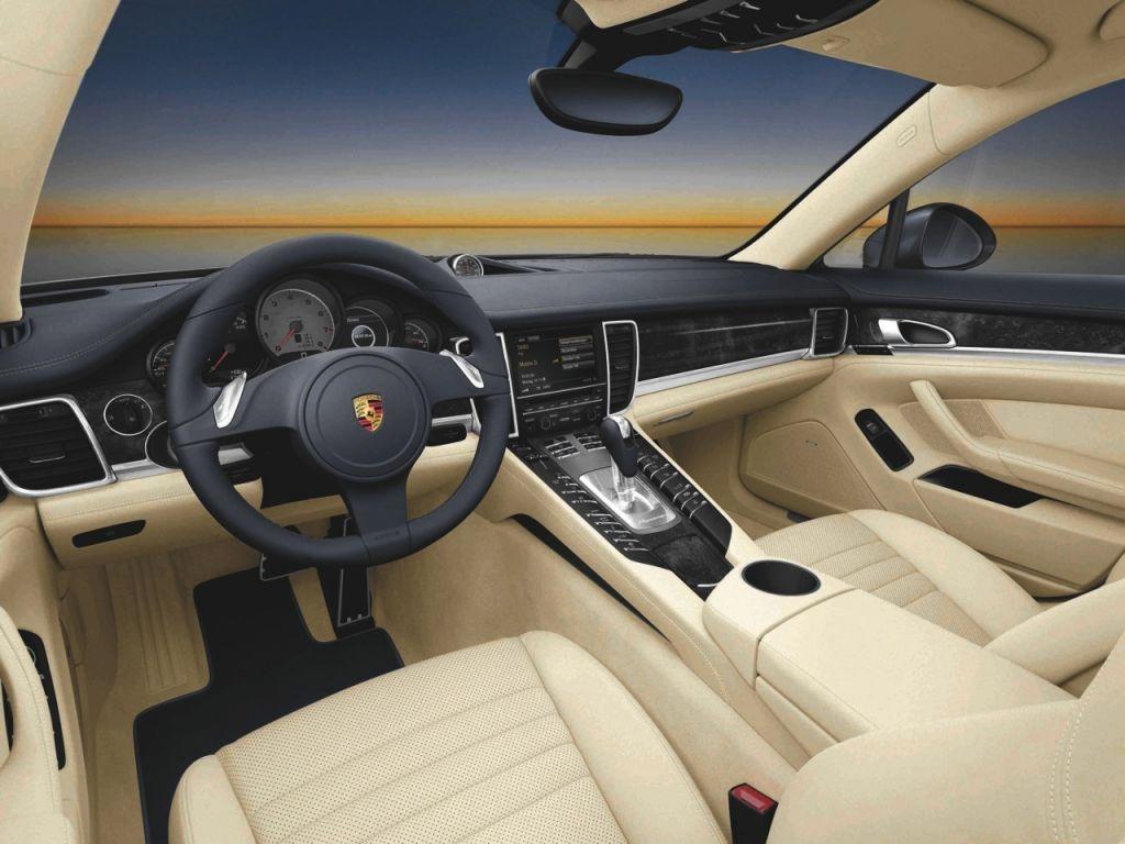 Porsche Panamera 4