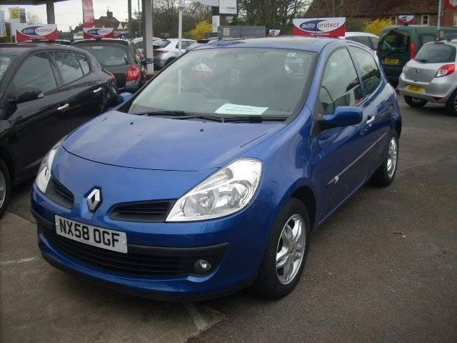 view of renault clio 3 1 5 dci expression photos video features and tuning of vehicles. Black Bedroom Furniture Sets. Home Design Ideas