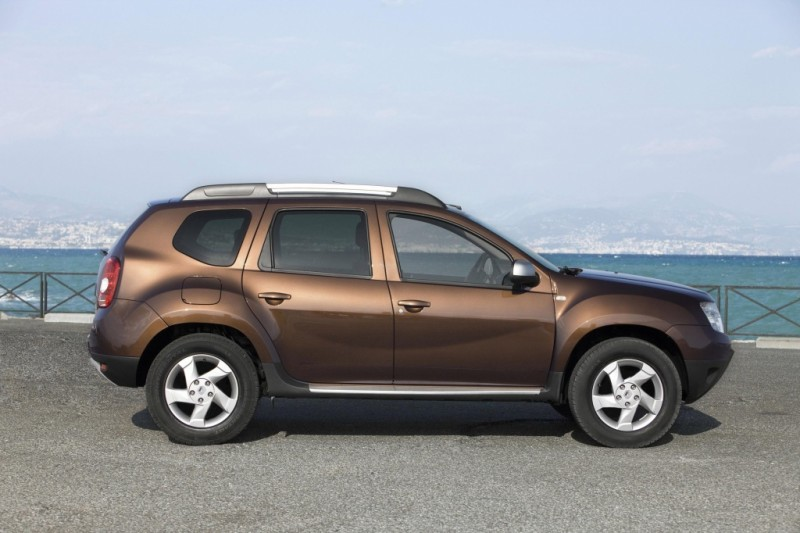 Renault Duster 1.6 102hp 4WD MT Authentique