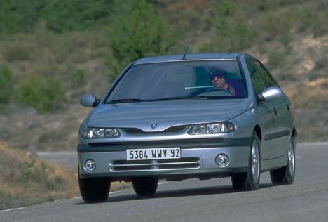 Renault Laguna 3.0 (B56E/R) AT