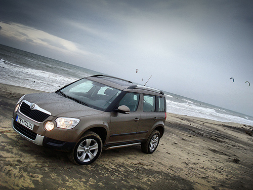 view of skoda yeti 1 8 tsi 4x4 photos video features. Black Bedroom Furniture Sets. Home Design Ideas