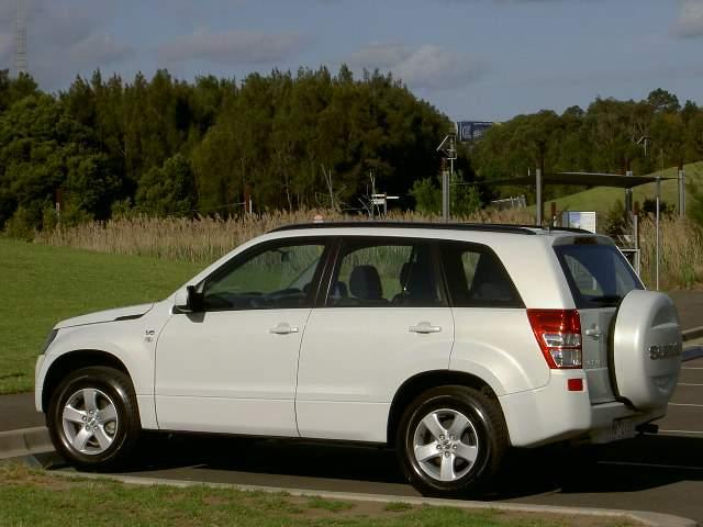 Suzuki Grand Vitara 1.6 AT