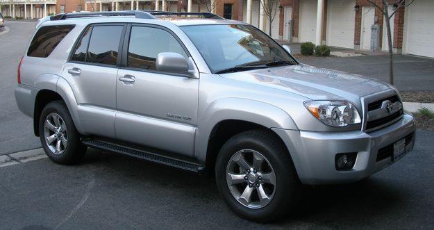 Toyota 4Runner Limited V8