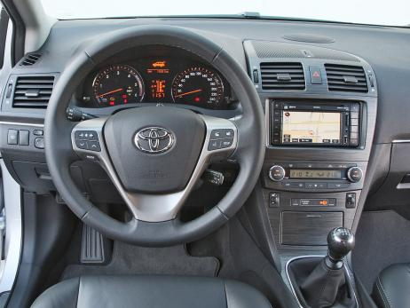 Toyota Avensis 2.2 D-Cat Combi