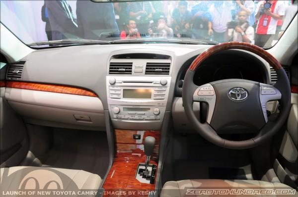 Toyota Camry 2.0 G
