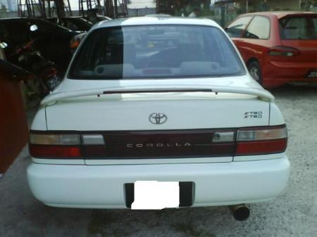 Toyota Corolla 1.6 AT