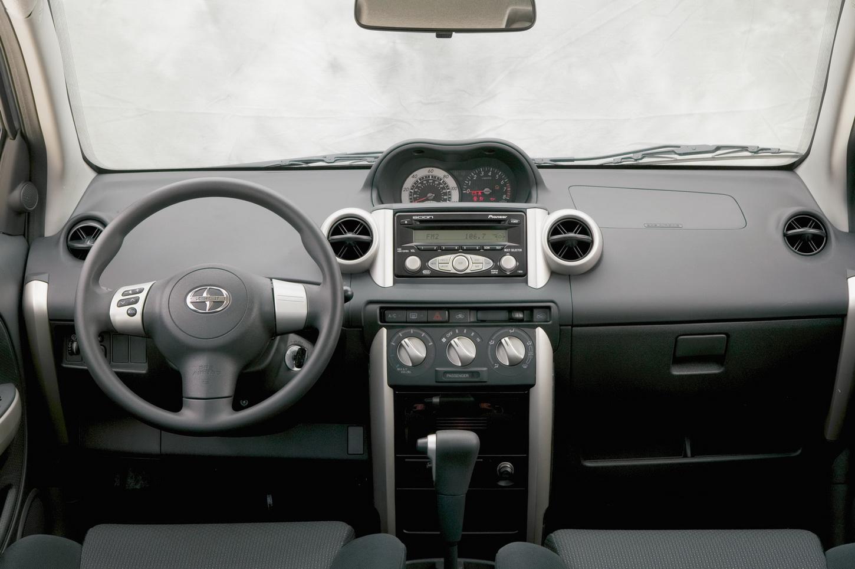 Toyota Corolla Levin 1.5 105hp MT