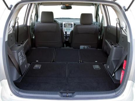 Toyota Corolla Verso 2.2 D-Cat