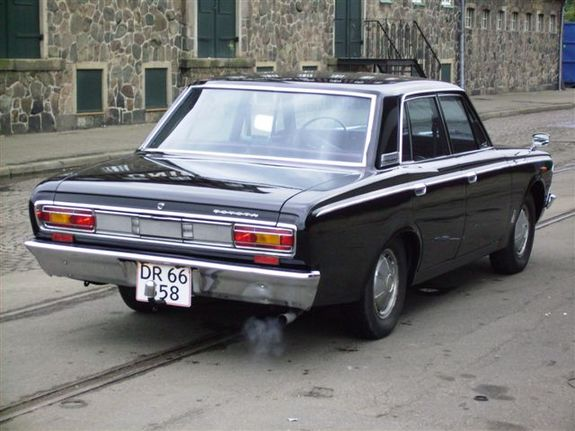 Toyota Crown 2300
