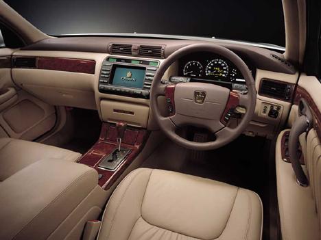 Toyota Crown 4.0 i V8 32V 4WD