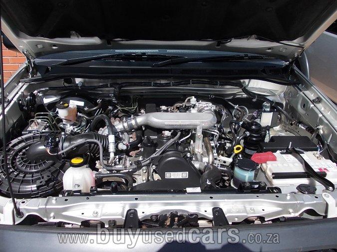 Toyota Hilux 2.5 D-4D SRX 4WD
