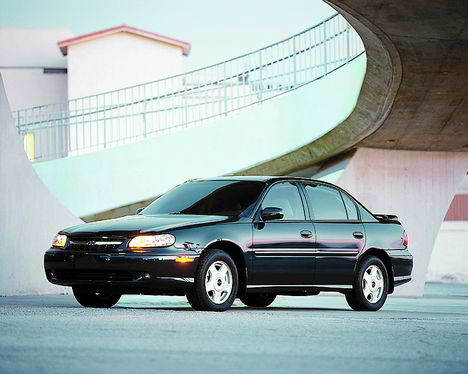 Toyota Hilux 2.4 D 80hp 2WD MT