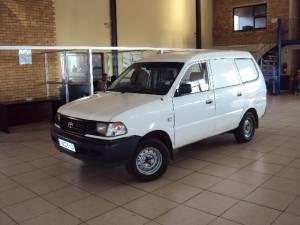 Toyota Stallion 2000i P-Van
