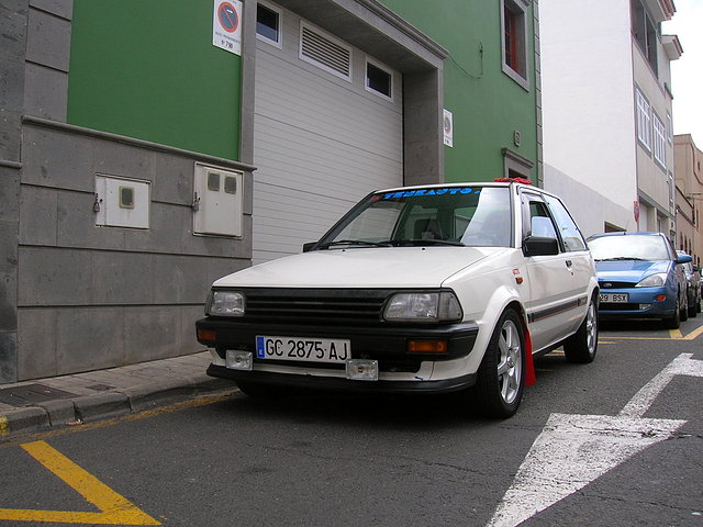Toyota Starlet 1.3 i 12V AT