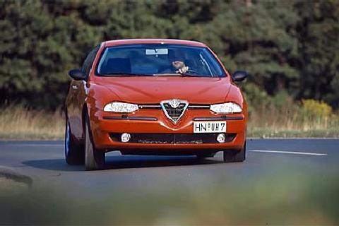 Alfa Romeo 145 1.8 T. Spark
