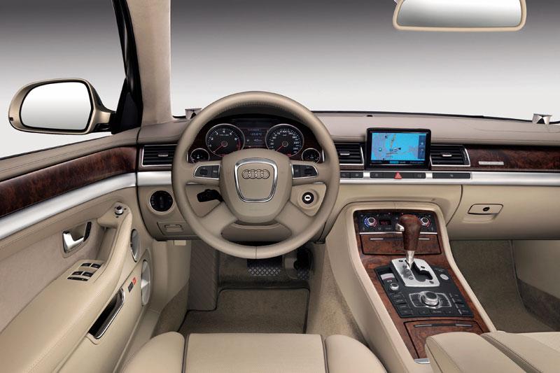 Audi A8 2.8