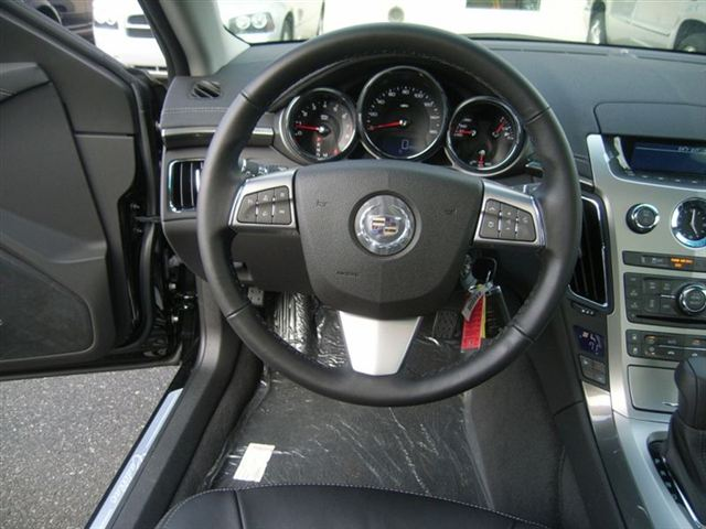Cadillac CTS 2.8 RWD AT