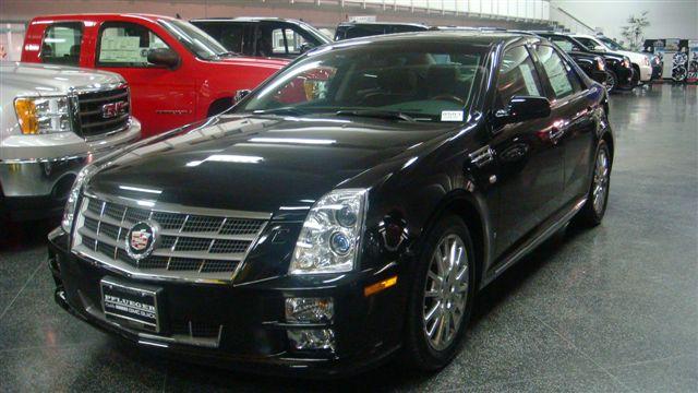 Cadillac STS V8