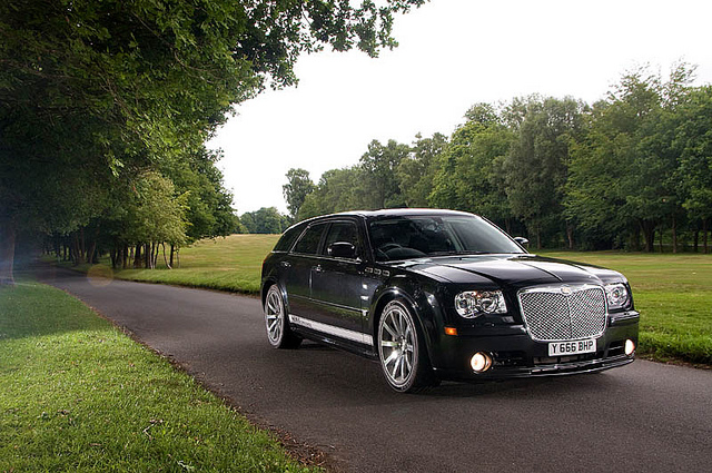 Chrysler 300 C Touring SRT8