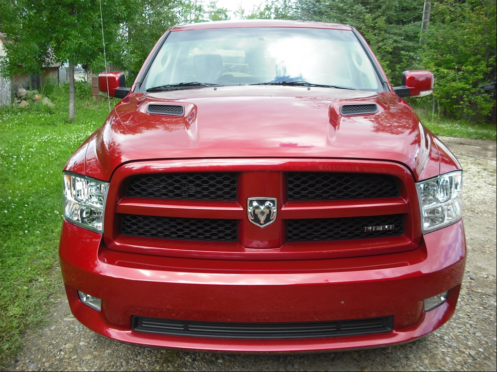 Dodge Ram 1500 Regular Cab 4x4 Sport