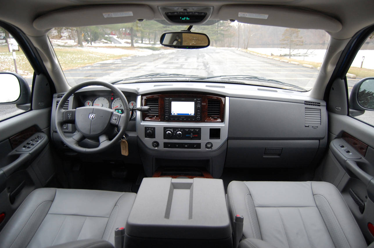 Dodge Ram 3500 Mega Cab 4x4
