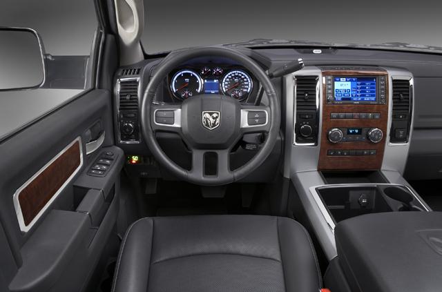 Dodge Ram 3500 Mega Cab SLT