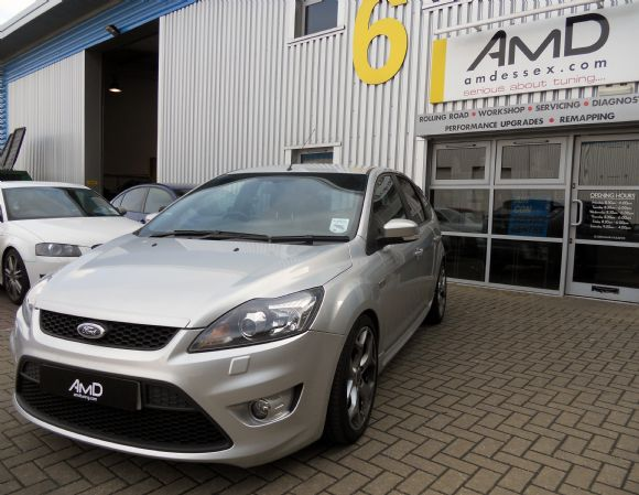 Ford Focus 1.4 MT