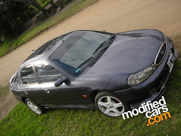 Ford Mondeo 2.5 V6 AT