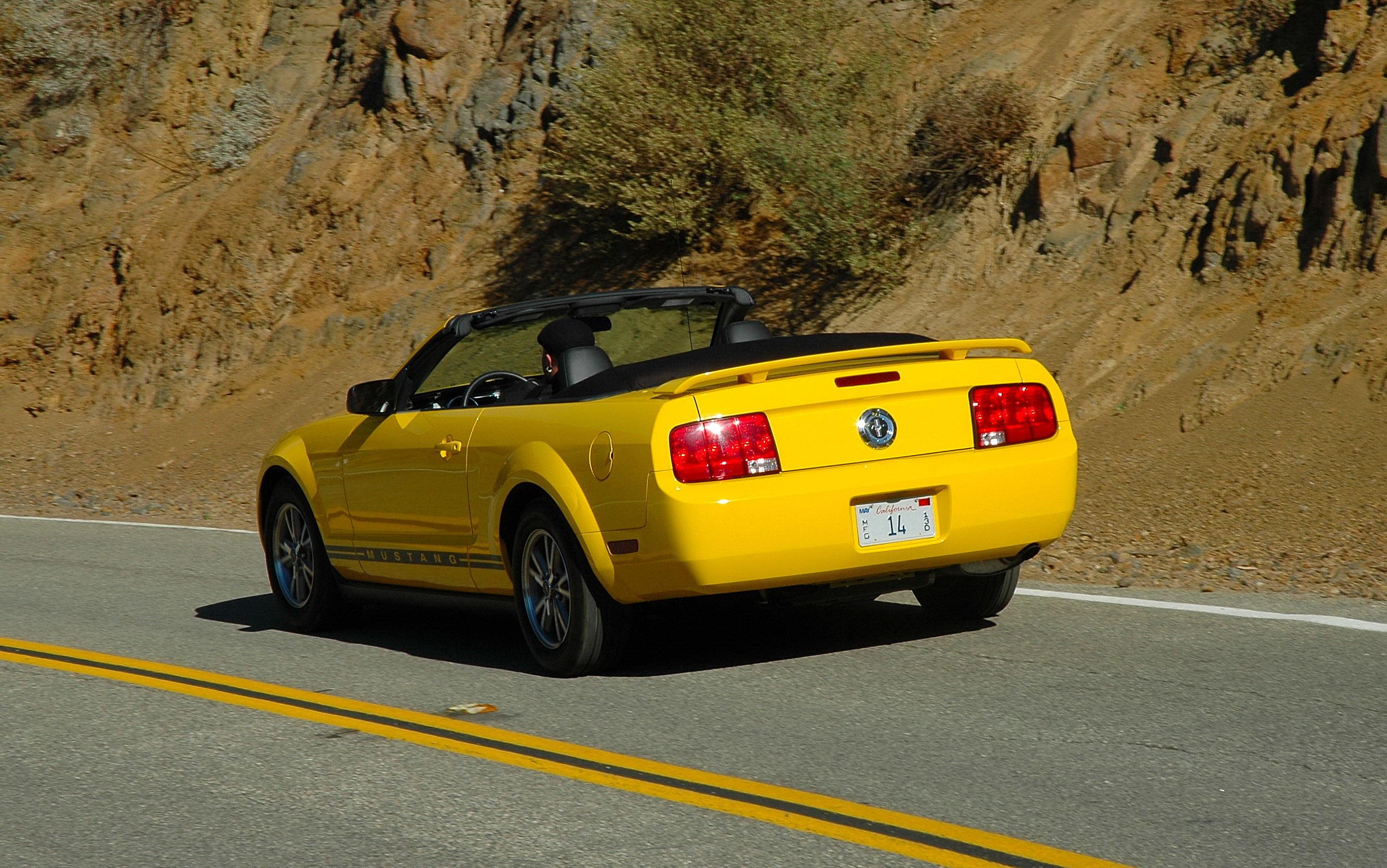 Ford Mustang V6 Convertible