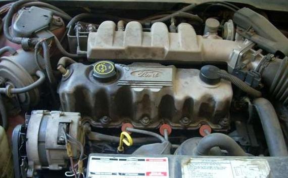 Ford Tempo 2.3 MT