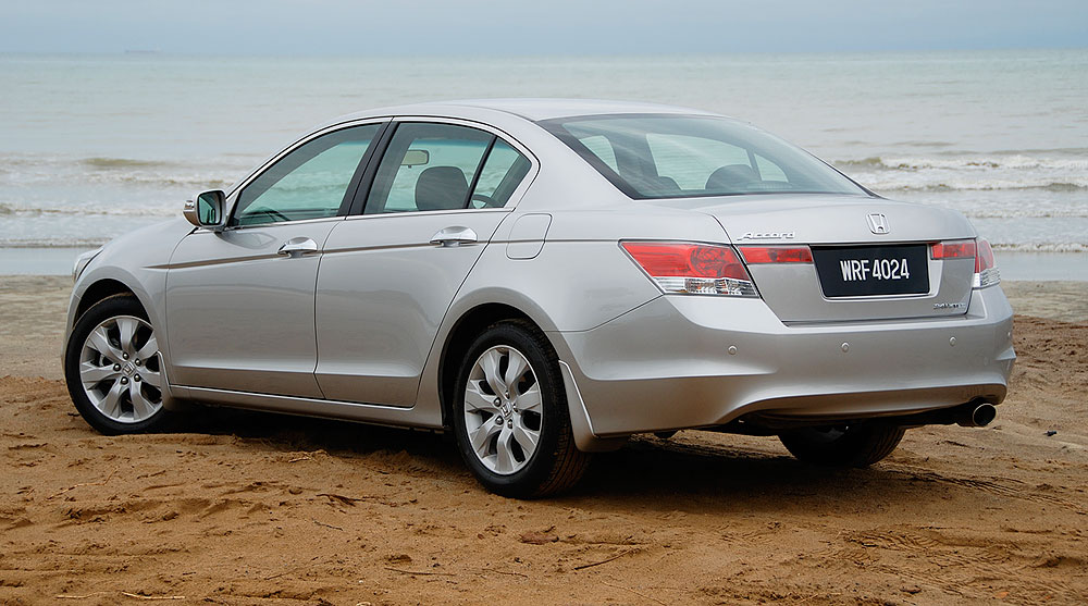 Honda Accord 2.0 MT Comfort