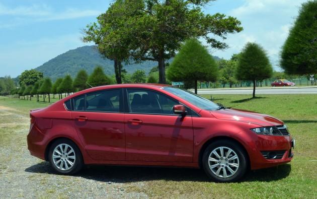 Hyundai Elantra 1.6 107hp MT