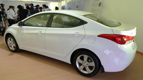 Hyundai Elantra 1.8 MT