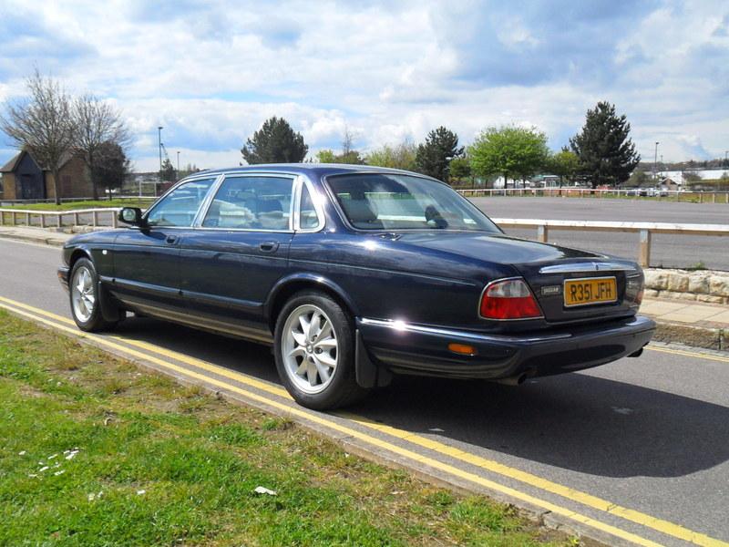 Jaguar XJ8 4.0